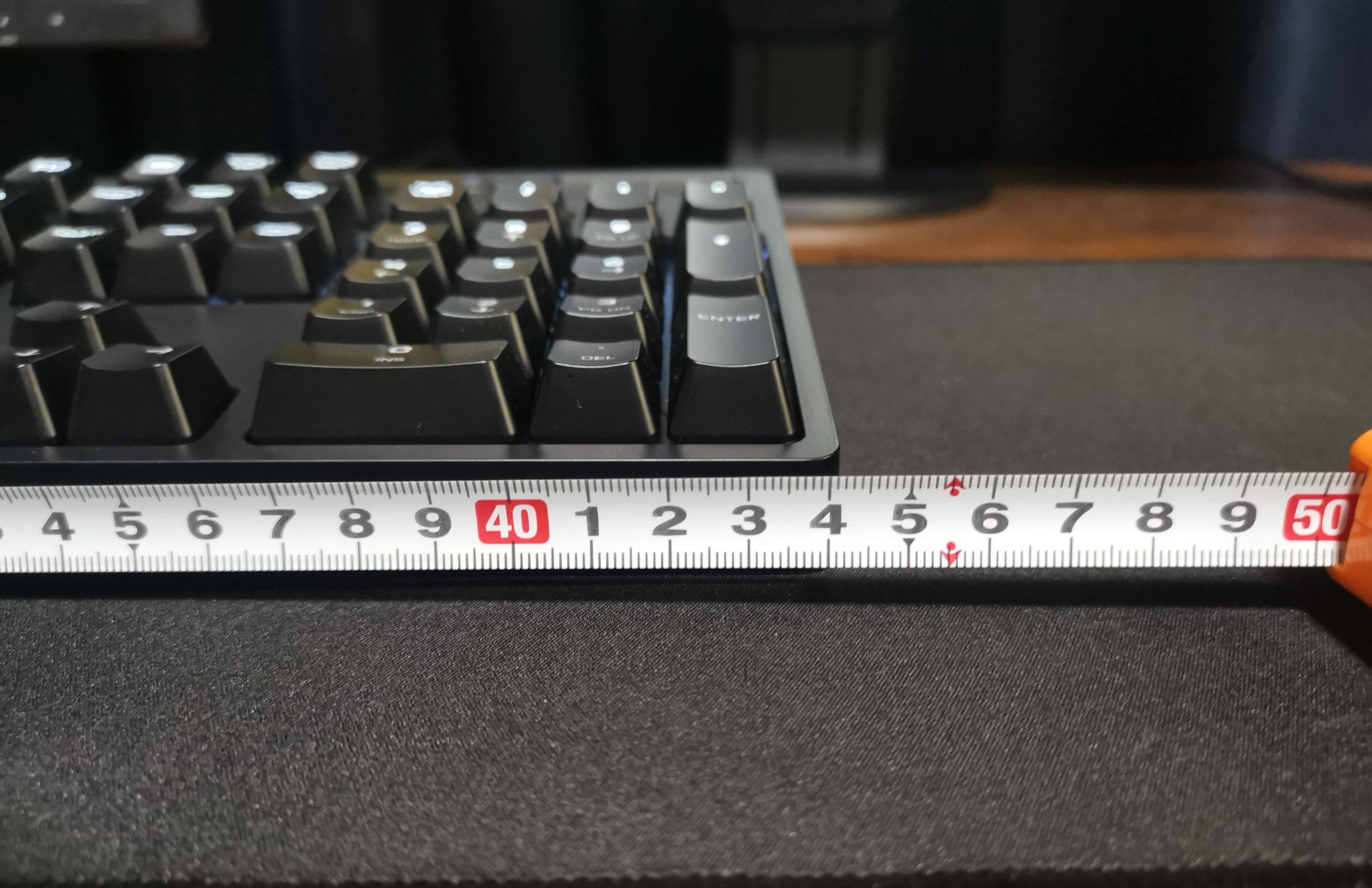 Logicool G610BLの横幅
