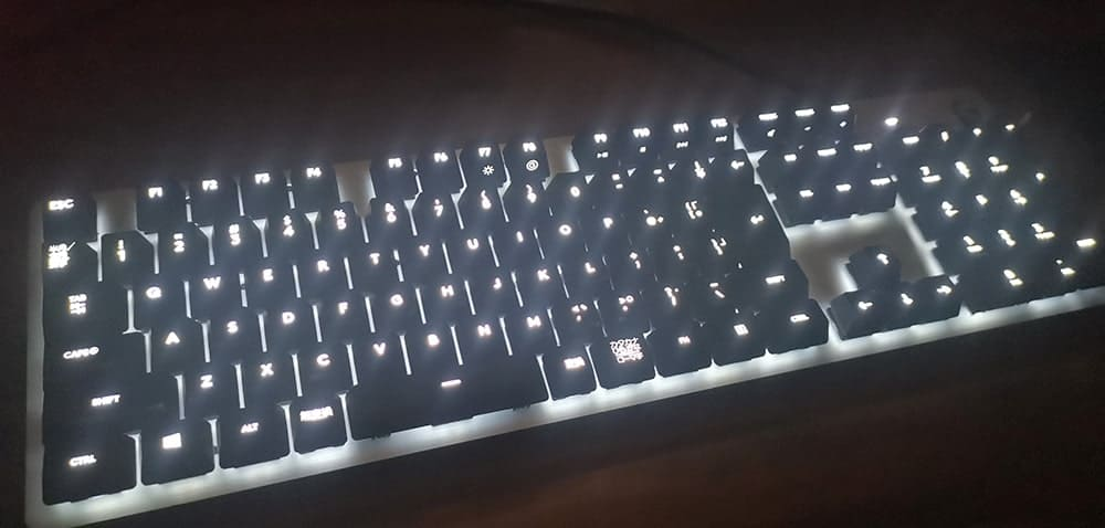 白色に光るG413