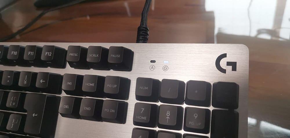 メディアコントロールボタンのないG413